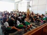 Alunos da Escola Dr. Mário Vello visitam Câmara Vereadores